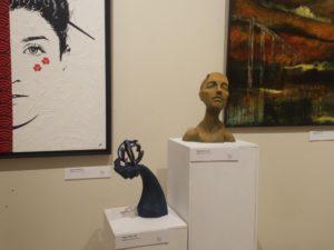 "Sculptures ""Mainmise"" et ""Nextgen"""