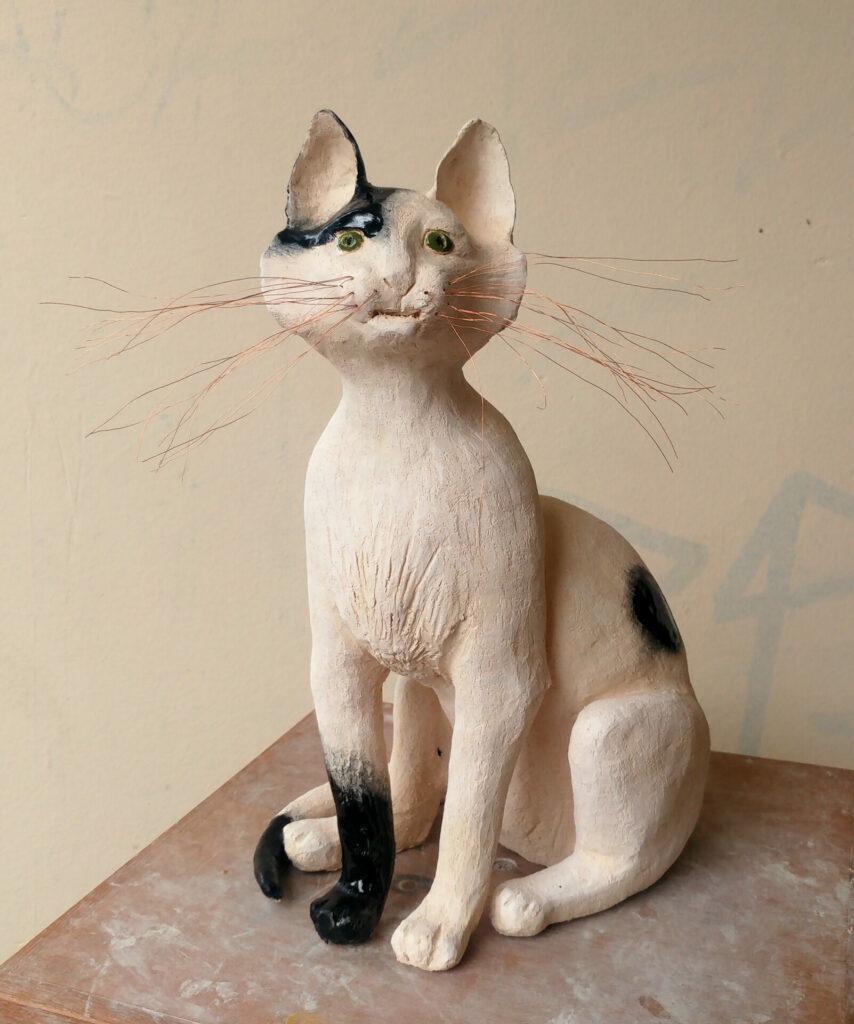 chat en terre-cuite emaillé