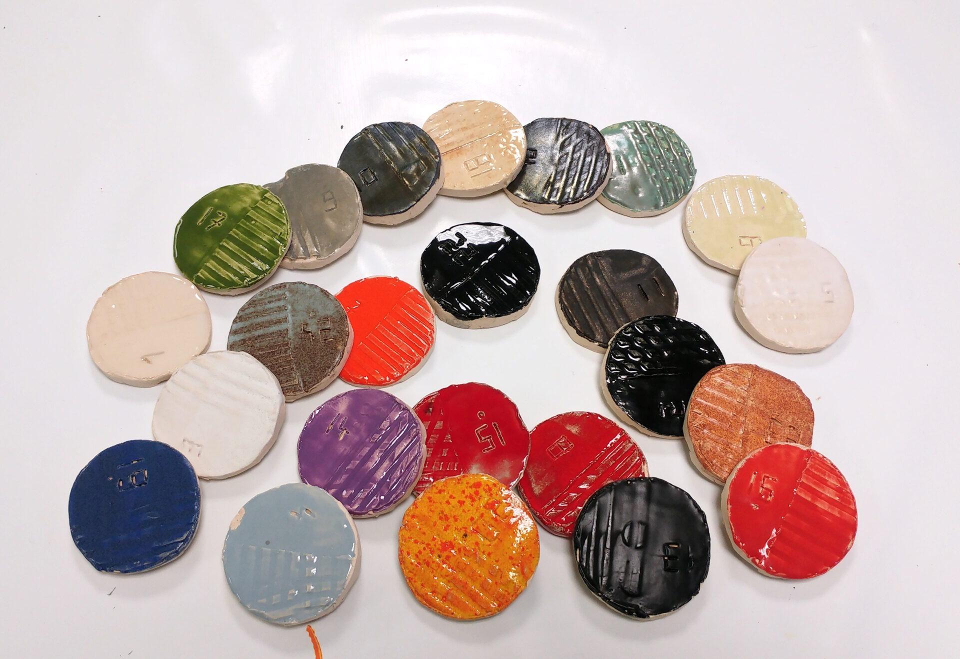 disques en terre cuite emaillés
