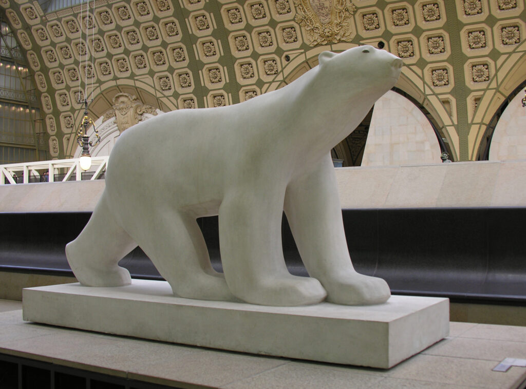 """""""L'Ours blanc"""" de François Pompon, au Musée d'Orsay, à Paris."""